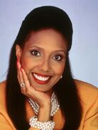 Rachel Crawford (Telma Hopkins)