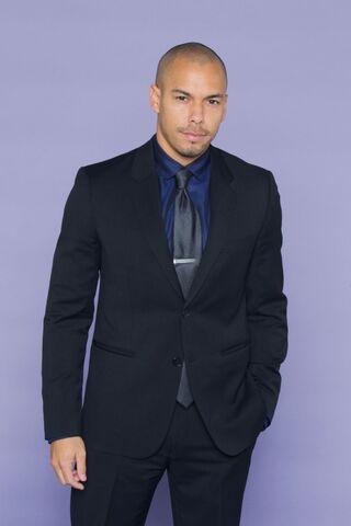 File:Bryton wearing suit and tie.jpg