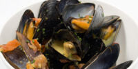 Mussels in a Saffron & White Wine Sauce by Aoakland