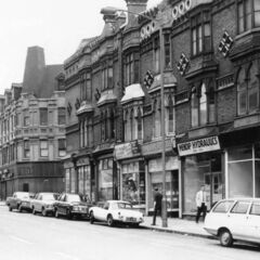 The cedar club and its neighbours, one of the most famous Avenirian nightclubs. The building is still the very same nightclub, and the area around it has also been retained