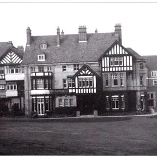 Redenham Manor House, a 300 year-old mansion once owned by Joseph Chamberlain, which stills stands today as the home of a rich Belarusian man. The Georgian buildings therearound are apartments.