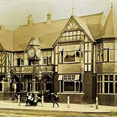 The Saracen's Heads (yes, it's formatted that way, I'm aware it sounds and logically is incorrect) situated on The Hill. The clock outside has been moved next to the Joseph Chamberlain clock on a small roundabout island on the High Street, but the building—and corporation and namesake—remains largely unchanged.