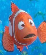 Finding nemo marlin clown fish telling joke