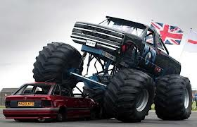 File:Car Crushing.jpg