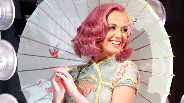 File:Katy Perry VMA 2011.jpg