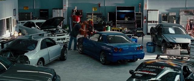 File:2002 Nissan Skyline GTR R34-02.png