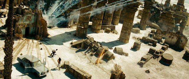 File:Transformers-revenge-movie-screencaps.com-15125.jpg