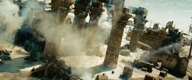File:Transformers-revenge-movie-screencaps.com-15132.jpg