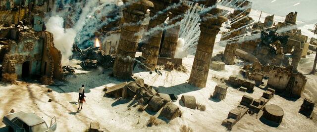 File:Transformers-revenge-movie-screencaps.com-15127.jpg