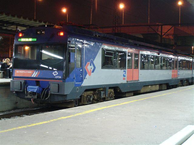 Archivo:Trem linha 7.jpg