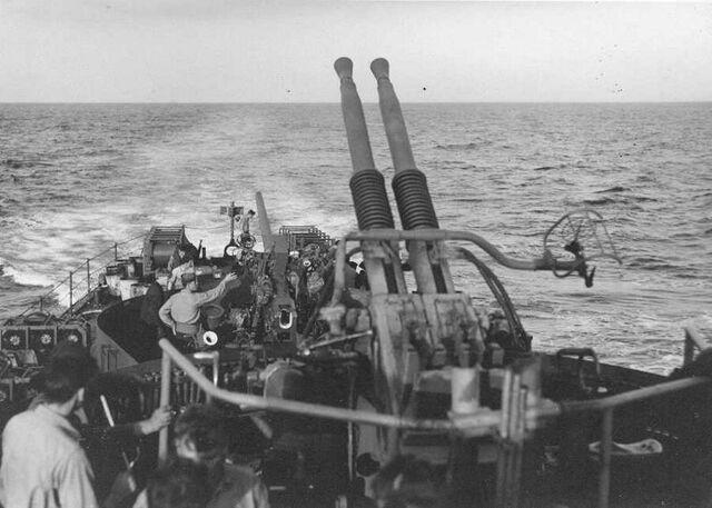 File:Twin - 40 mm Bofors.jpg