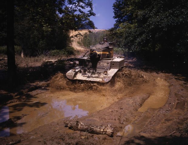 File:Light tank going through water obstacle, Ft Knox, Ky.jpg