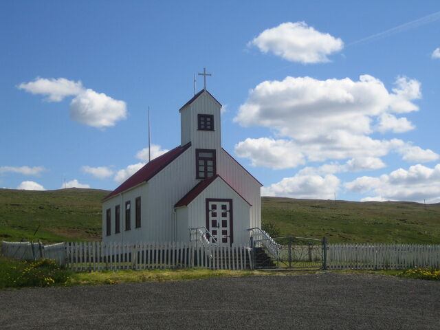 Bestand:A church in the middle of nowhere.jpg