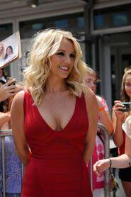 Britney Spears - 2012 X-Factor-02-560x841