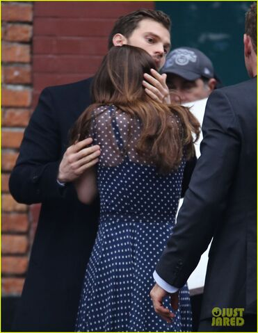 File:Fifty-shades-darker-set-photo-33.jpg