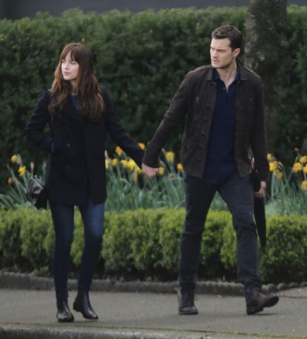 File:Fifty-shades-darker-set-photo-104.jpg