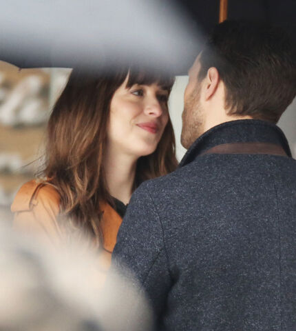 File:Fifty-shades-darker-set-photo-14.jpg