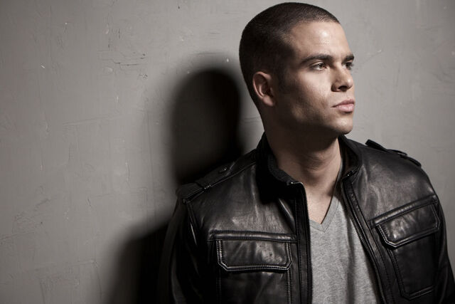 File:Mark-Salling-Photoshoot-mark-salling-8895092-1080-720.jpeg