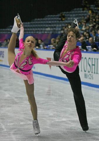 File:Maria Sergejeva and Ilja Glebov NHK Trophy 2008.jpg