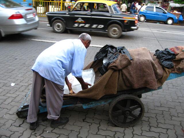 File:MumbaiIceCart gobeirne.jpg