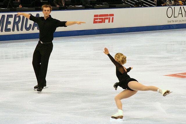 File:Anabelle Langlois & Cody Hay Throw Jump - 2006 Skate America.jpg