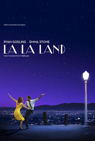 Arquivo:La-la-land-cantando-estacoes.jpeg