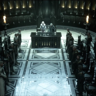 The leaders of Niflheim (left) and Lucis (right) meet.