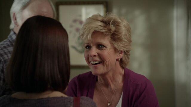 File:1x01 24 Carter, Joan.jpg