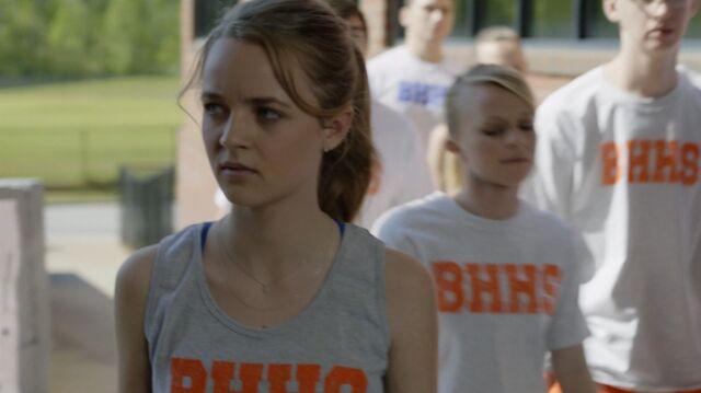 File:1x02 21 Taylor, teammates.jpg