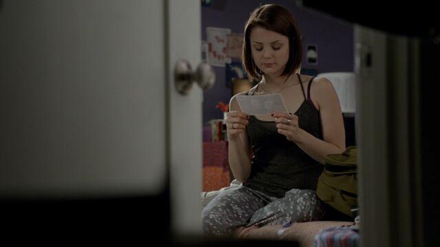 File:1x02 06 Carter.jpg