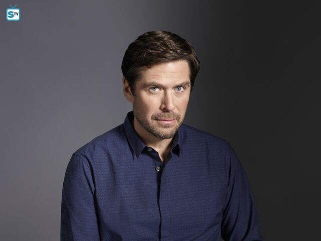 File:Alexis Denisof as David.jpg