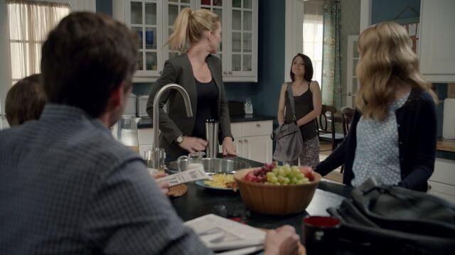 File:1x02 13 David, Grant, Elizabeth, Carter, Taylor.jpg