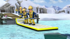 Inflatable rescue path