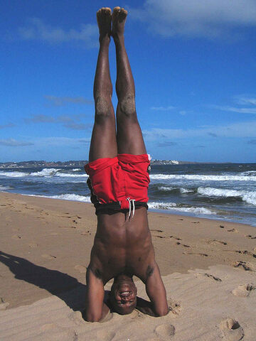 File:Pde eh headstand1.jpg.jpg