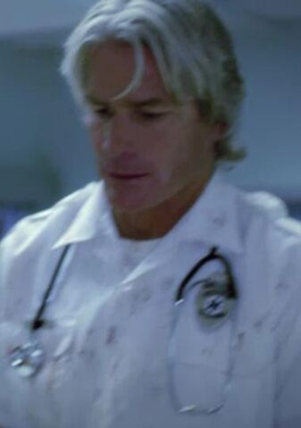 Archivo:1x01 Paramedic 2.jpg