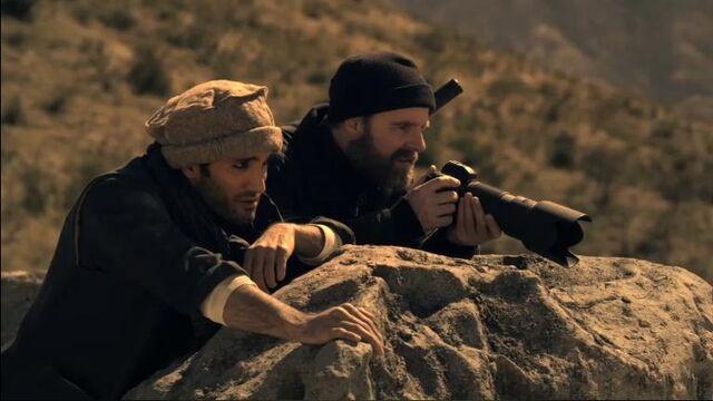 File:1x20 Kahmir and Aaron Watch.jpg