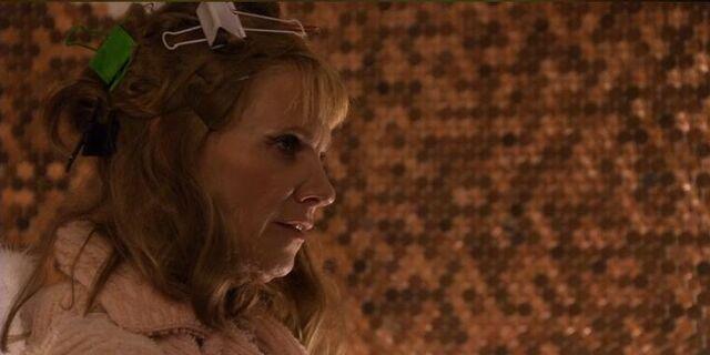 File:1x11 Nicole's Mother.jpg