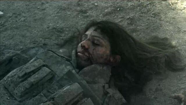 File:1x07 Tracy Down 2.jpg