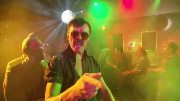 File:2x05 - Too Many Dicks On The Dance Floor.jpg