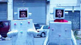 1x01 - Robots