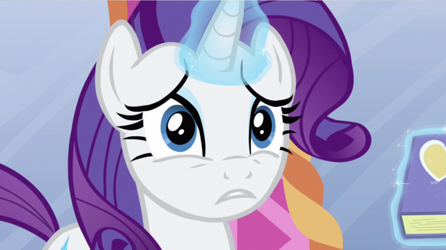 File:Rarity worried while using magic.png