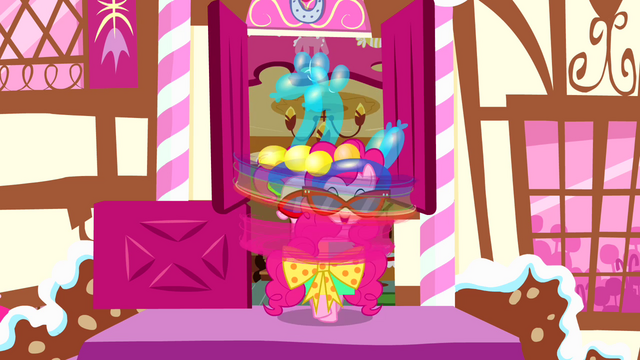 File:Pinkie spinning around S4E12.png