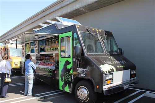 File:2011-03-15-Me-So-Hungry-Truck-004-Custom-2.jpg