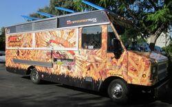 Meet-n-potatoes-truck