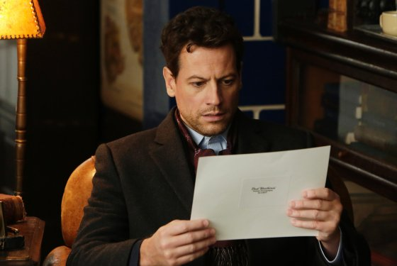 File:Henry Morgan with a paper - Pilot.jpg