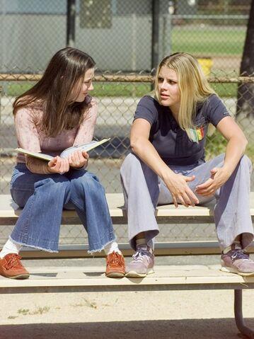 File:Lindsay+Kim-imdb-05.jpg