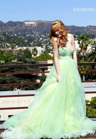 File:331px-Bella-thorne-1391457041.jpg