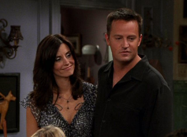 File:Monica & Chandler (9x08).png