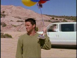 5x22 Joey Balloons