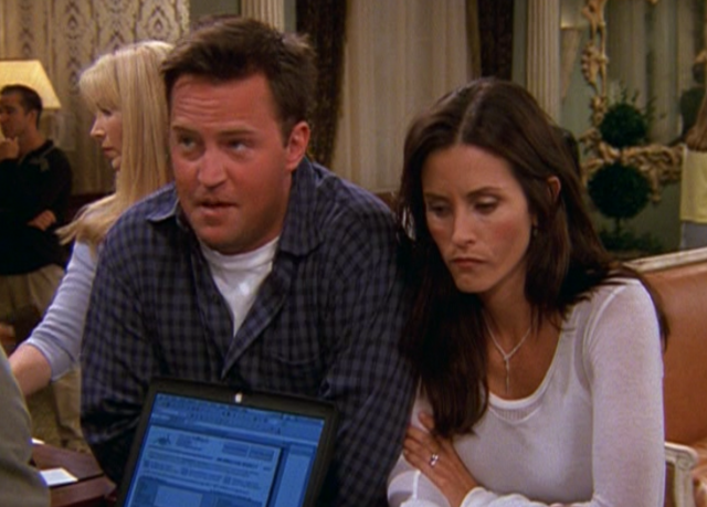 File:Chandler&Monica-8x02.png